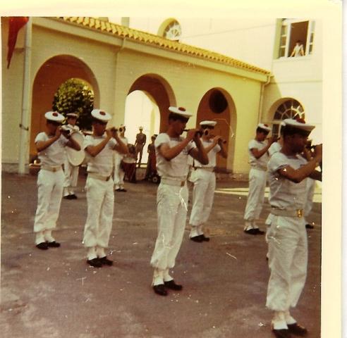[Musique dans la Marine] Bagad de Saint Mandrier - Page 14 St_man10