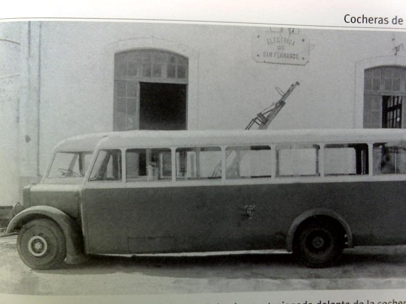 AUTOBUSES DE LA LINEA INTERURBANA CADIZ - SAN FERNANDO. SU HISTORIA 01-01-11
