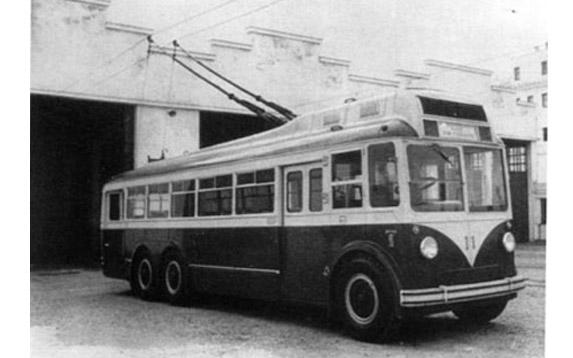 AUTOBUSES DE LA LINEA INTERURBANA CADIZ - SAN FERNANDO. SU HISTORIA Cadiz110