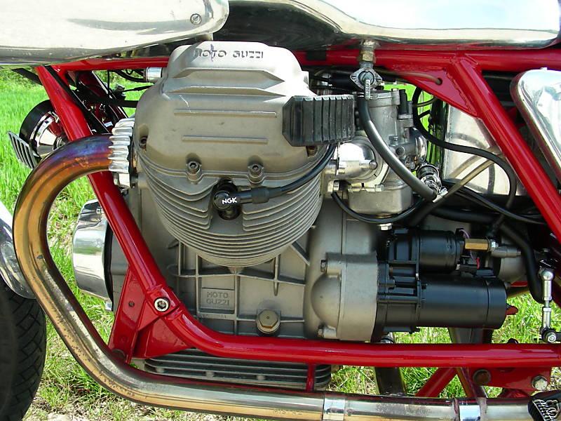 Racer Guzzi Alu A105_310