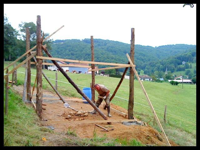Construction d'un abri pour chevaux Dsc01413