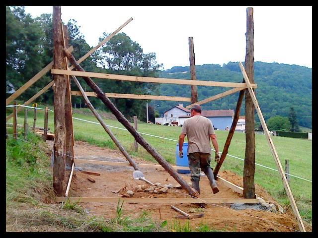 Construction d'un abri pour chevaux Dsc01414