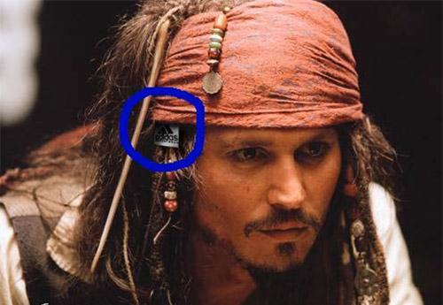 Metidas de pata en peliculas Pirata10