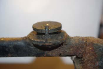 cherche tailles de la charniere du pare-brise Imgp0912