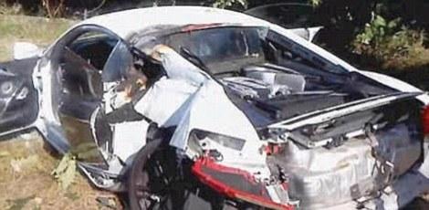 Une Audi R8 épavée... Articl10