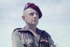cendres du Général Bigeard Le-gen10