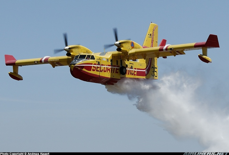 Construction d' un Canadair CL-415 en PSS! 08618210