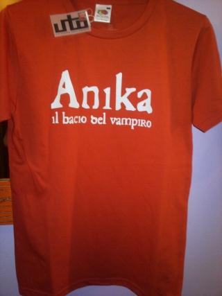 La prima maglietta ufficiale di Anika! 05_mag10