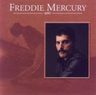 Queen et Freddie une collection d'enfer mdr.... Freddi11