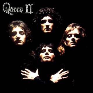 Queen et Freddie une collection d'enfer mdr.... Queen210