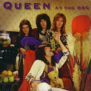 Queen et Freddie une collection d'enfer mdr.... Queena10