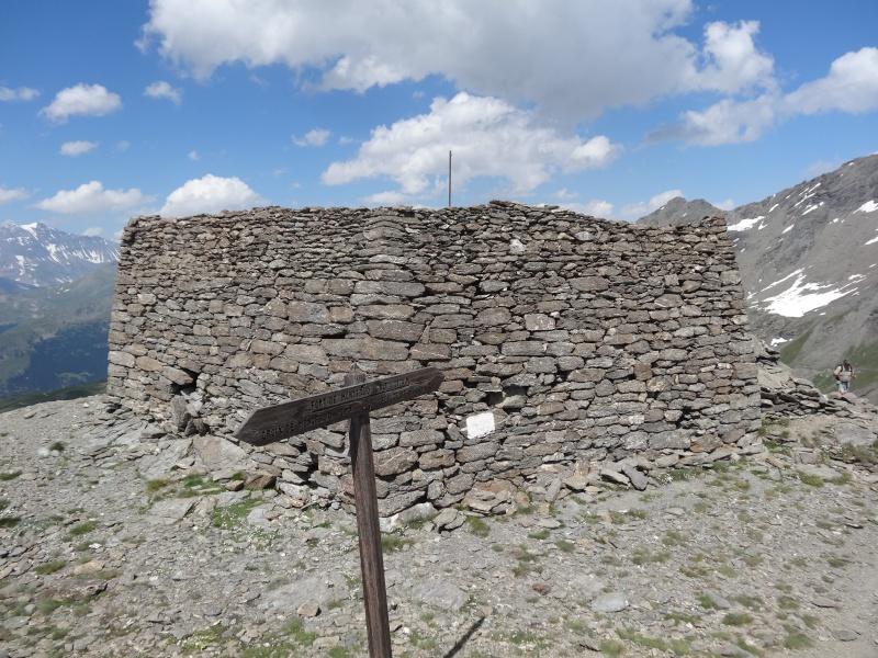 Fort du Mont Froid depuis la route du Petit Mont Cenis Dsc00732