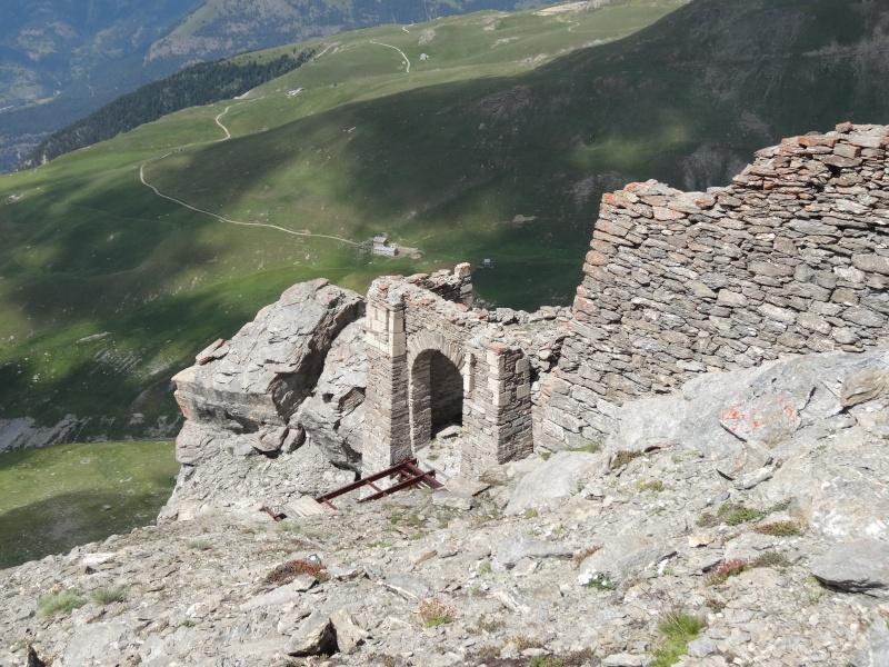 Fort du Mont Froid depuis la route du Petit Mont Cenis Dsc00734