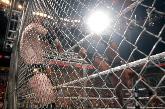 (مترجم) Exclusive WWE.Raw.04.01.11 XVID 770MB Rmvb 270MB Untitl27