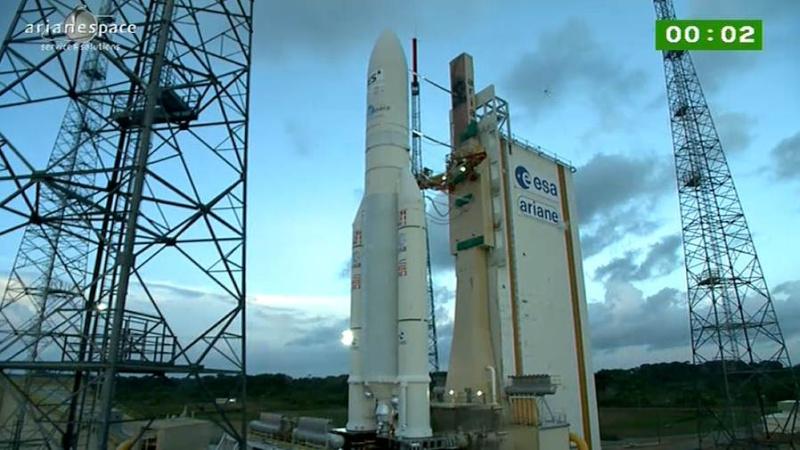 Lancement Ariane 5 ECA VA209 / Astra 2F + GSat 10 -28 septembre 2012 - Page 2 Capt_h69