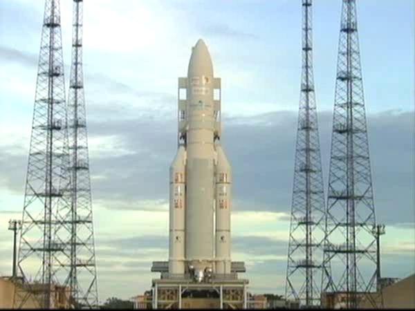 Ariane 5 ECA V196 / RASCOM-QAF 1R + Nilesat 201 (4 août 2010) - Page 5 Vlcsna14