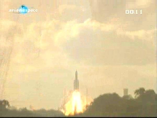 Ariane 5 ECA V196 / RASCOM-QAF 1R + Nilesat 201 (4 août 2010) - Page 5 Vlcsna28