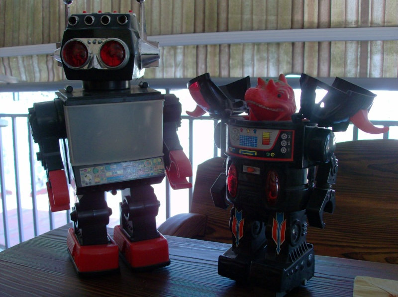Robot anni 70 80 Robot Monster e Saturn in plastica e metallo vintage made in Taiwan Hpim4620