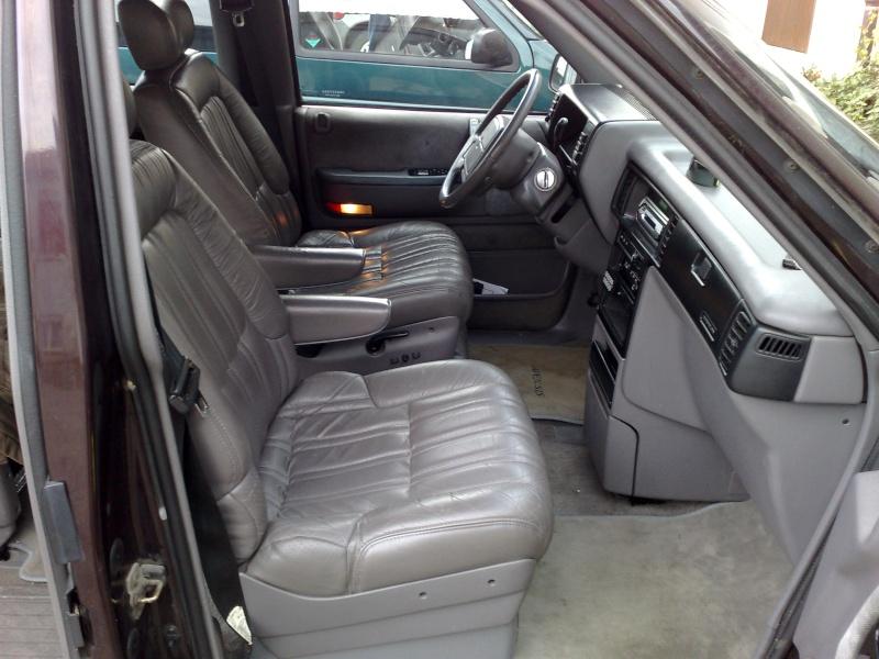 Mon Grand Chrysler Voyager LE 3.3V6 - Page 2 Photo032