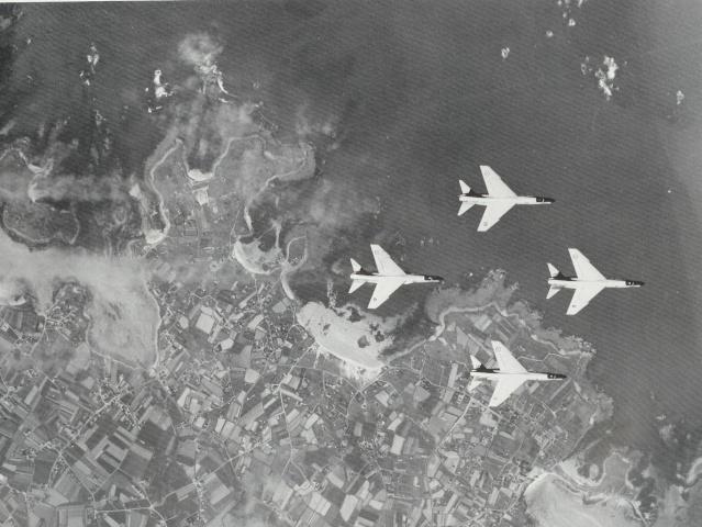 [Aéronavale divers] UNE PENSÉE POUR LES CRUSADERS Survol10
