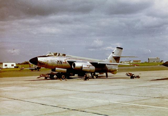 [Aéronavale divers] 1971 : B.A.705 TOURS : Exposition statique . Vautou10