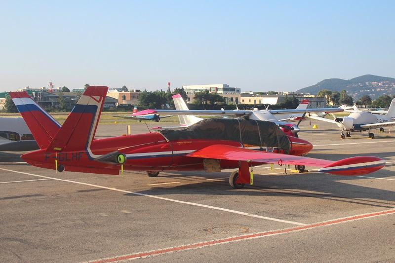Le Fouga Magister F-GLHF 390-f-10