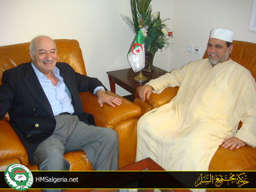 السفير الأردني في زيارة إلى قيادة الحركة Mkr24a10