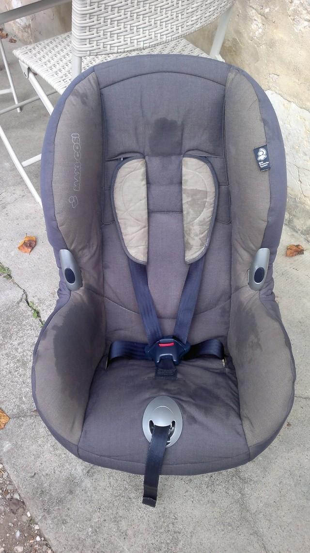 Vends 2 sièges auto Maxi Cosi Priori XP groupe 1 (9-18 kg) - VENDUS 24102011