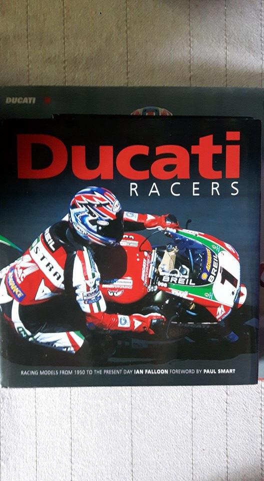 Vends deux livres de Ian Falloon sur la 916 et sur les Ducati de course. Racers11