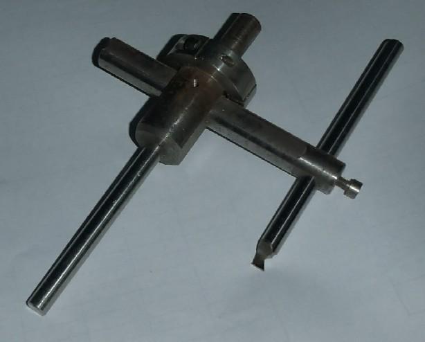 Quels conseils pour faire un trou de 50mm dans de la tôle de 2mm ? - Page 2 Outil_10