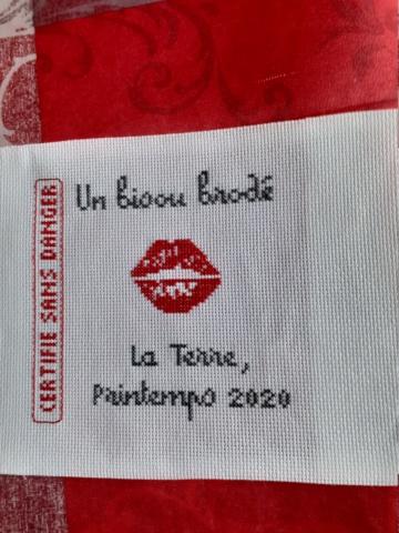 UN BISOU 20200333