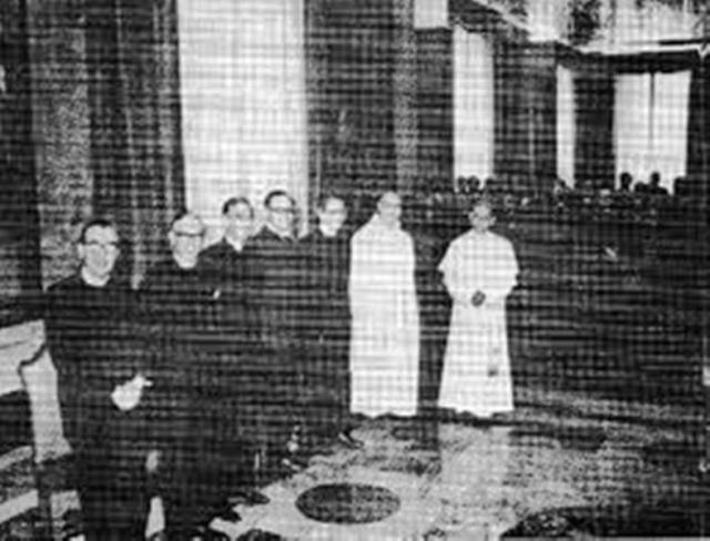 """Encore un qui n'a pas compris les """"justes limites"""" vaticandeuses à la mode poipoipo Paul_v11"""
