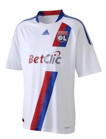 Les nouveaux maillots saison 2010/2011 L-ol-d10