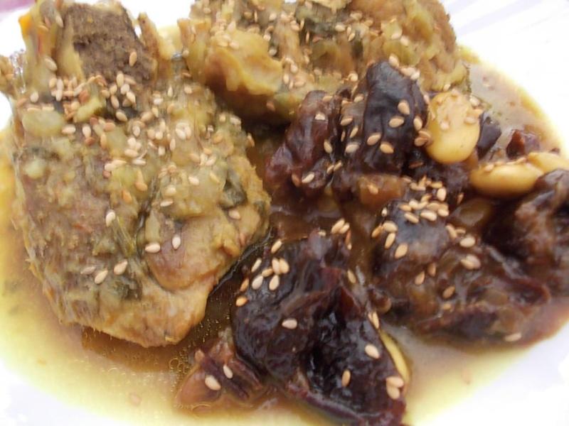 tajine a l osso buco aux prunes et amandes 21849610
