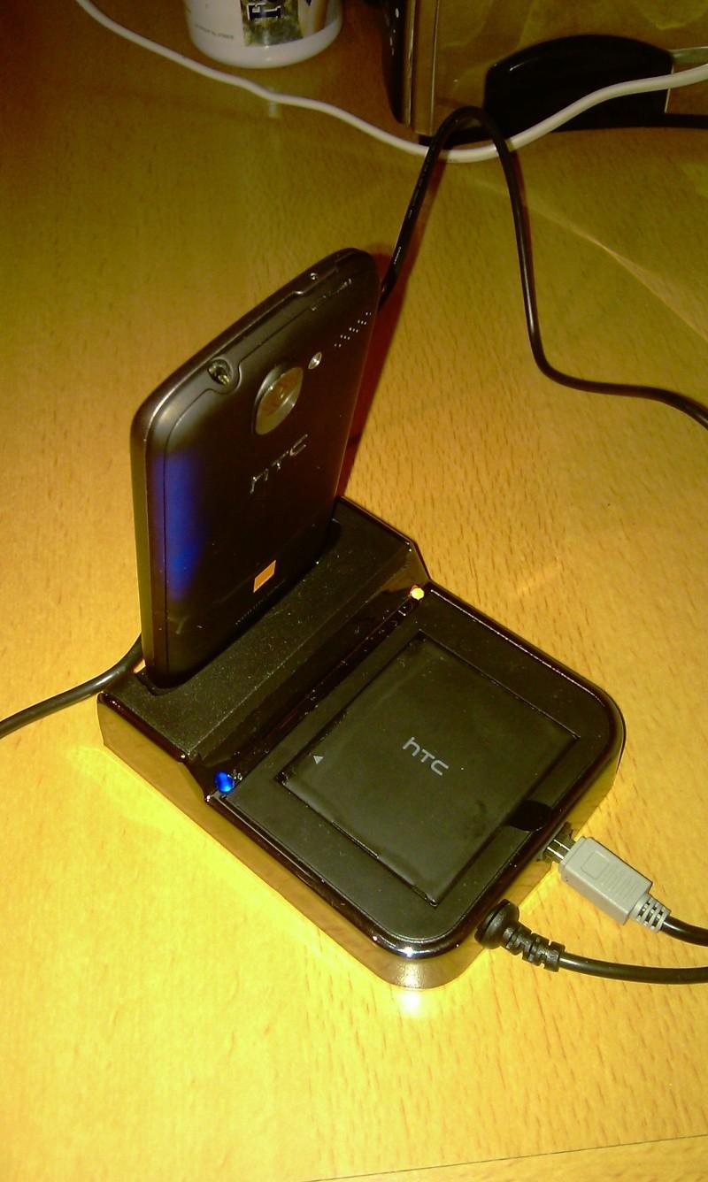 [MOBILEFUN.FR] Test du dock pour le HTC Desire avec emplacement pour seconde batterie sur Génération mobiles Imag0016