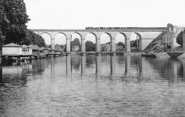 Viaduc de Laval 87a70110