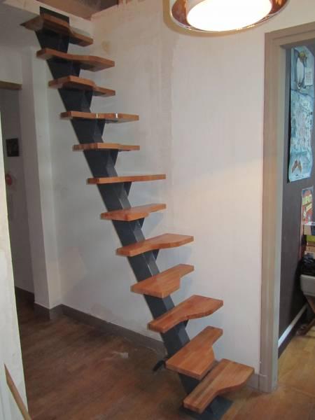 Escalier japonais à pas décalés 910