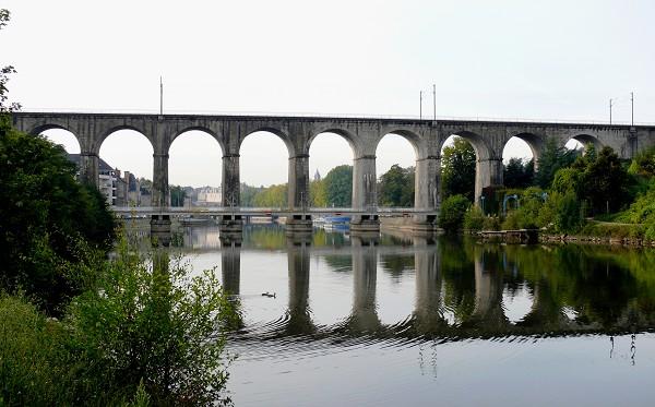 Viaduc de Laval P1030010