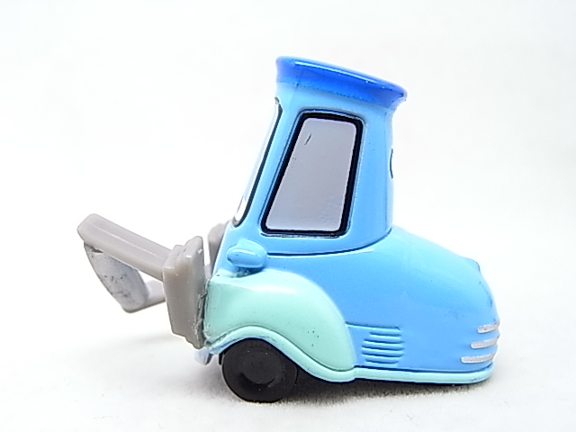 [Cars 2 ] Guido with Shaker  Guido_11