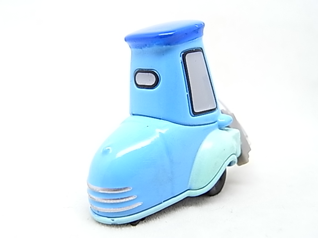 [Cars 2 ] Guido with Shaker  Guido_12