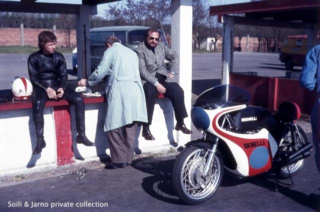 Photos inédites de la période Jarno Saarinen sur Benelli Dia_0018