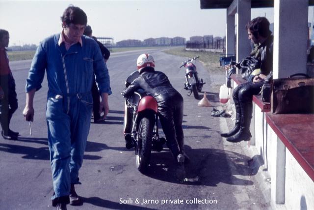 Photos inédites de la période Jarno Saarinen sur Benelli Dia_0019