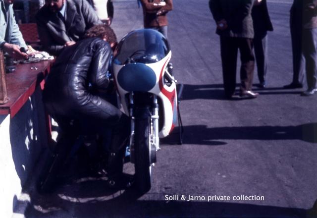 Photos inédites de la période Jarno Saarinen sur Benelli Dia_0023