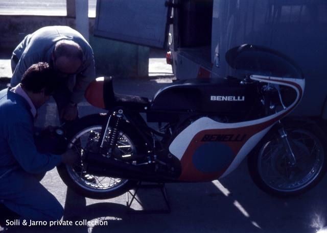 Photos inédites de la période Jarno Saarinen sur Benelli Dia_0110