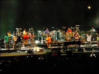 Justin Nozuka fait la première partie de Stevie Wonder ! 4-07-114