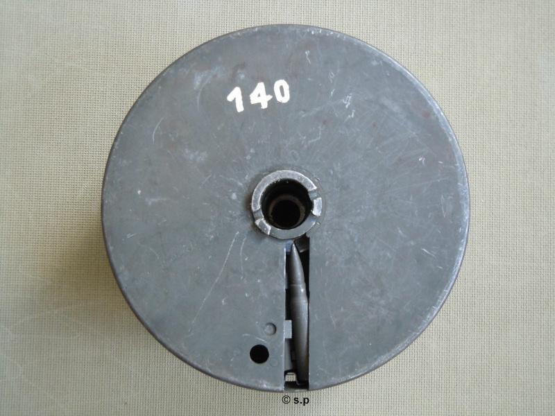Chargeur de mitrailleuse Reibel Dscn2411