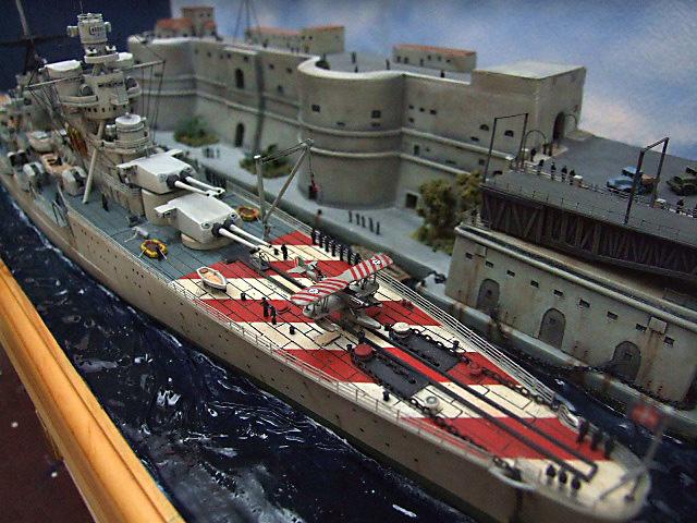 Regia Marina Italian Heavy Cruiser 'Pola' - Page 5 Dscf4014