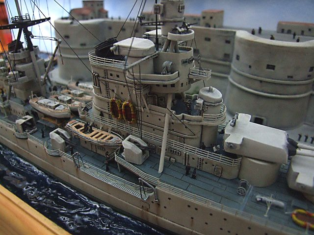 Regia Marina Italian Heavy Cruiser 'Pola' - Page 5 Dscf4015