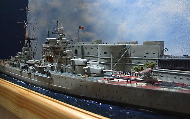 Regia Marina Italian Heavy Cruiser 'Pola' - Page 5 Dscf4019