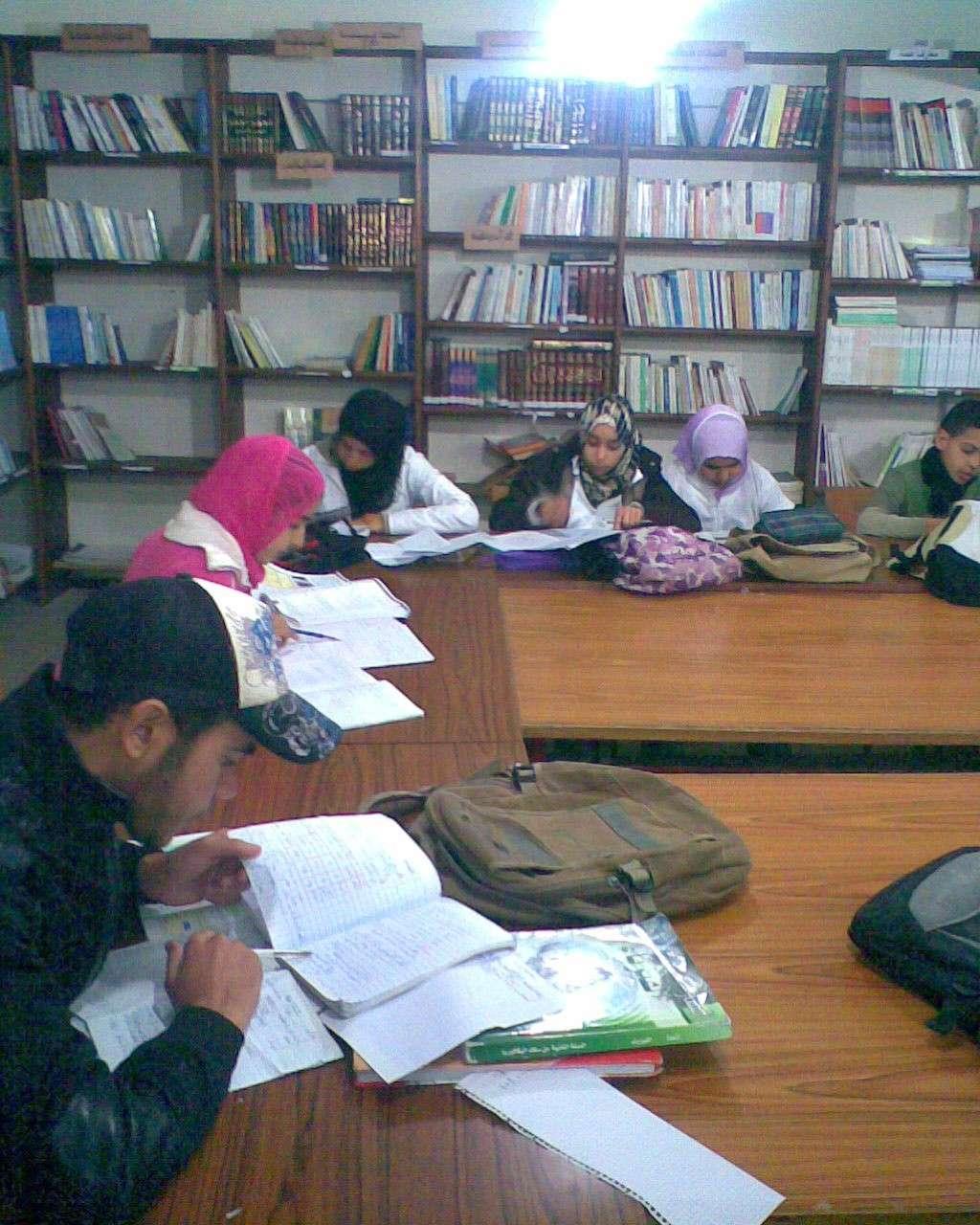 من أنشطة المكتبة المدرسية Maktab10